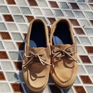 Sperry boys platform shoes